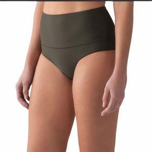Lululemon Vitalize high waist swim bottoms size 8